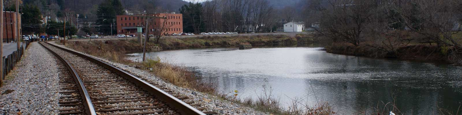 This is an image of railroad tracks in Charleston West Virginia where ASTA-USA provides professional translation services.
