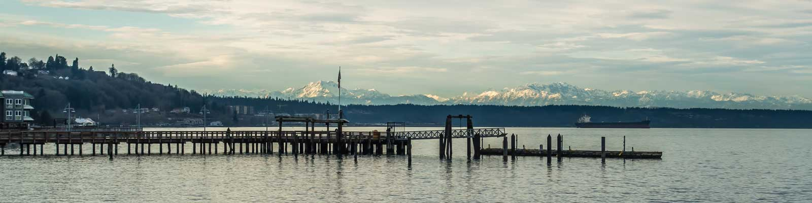 This is an image of a dock on the Commencement Bay in Tacoma. ASTA-USA provides professional translation services in this city.