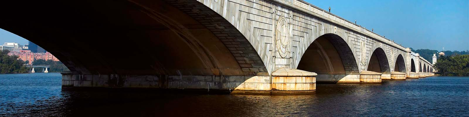 This is an image of an arch bridge in Lincoln where ASTA-USA provides professional translation services.