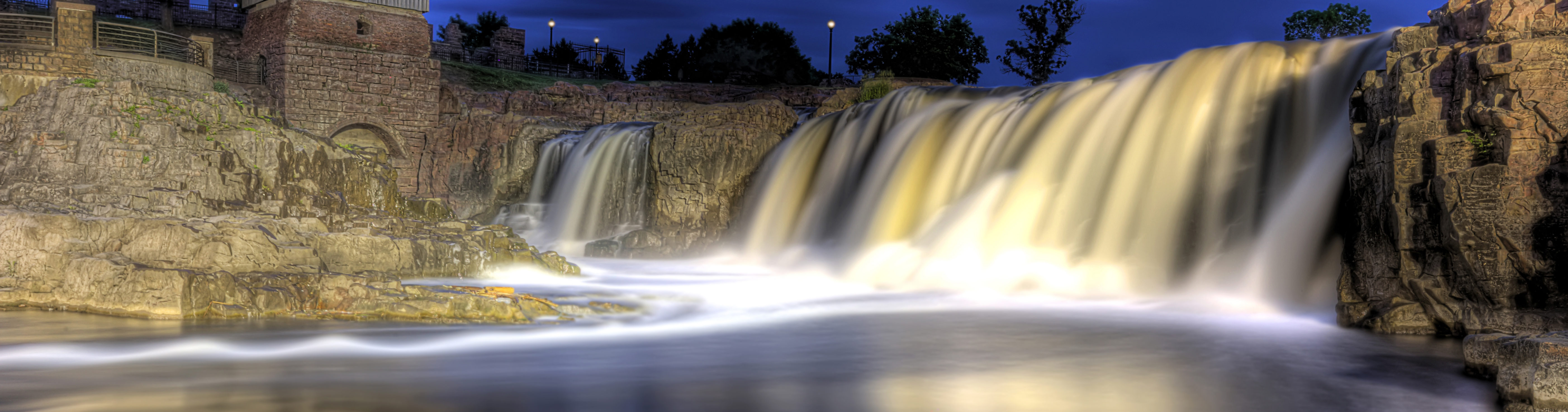 This is an image of a waterfall in Sioux Falls. ASTA-USA provides professional translation services in this city.